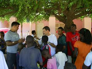 Brasileiros ajudando povo de Guiné Bissau